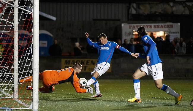 Lee McCulloch comes close