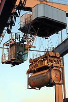 VOTG Tankteiner im DUSS-Terminal Hamburg-Billwerder: EUROPA, DEUTSCHLAND, HAMBURG, (EUROPE, GERMANY), 05.12.2016: Deutsche Umschlaggesellschaft Schiene–Straße (DUSS) mbH, Terminal Hamburg-Billwerder ist eine wichtige Schnittstelle für den Umschlag von Ladeeinheiten zwischen Strasse und Schiene sowie im nationalen und internationalen Umsteigeverkehr zwischen Gueterzuegen.VOTG Tankteiner im DUSS-Terminal Hamburg-Billwerder