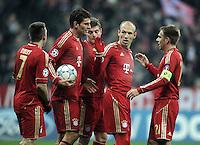 FUSSBALL   CHAMPIONS LEAGUE   SAISON 2011/2012     22.11.2011 FC Bayern Muenchen - FC Villarreal Jubel nach dem Tor zum 2:0 Franck Ribery, Mario Gomez,Toni Kroos, Arjen Robben, Philipp Lahm (v. li., FC Bayern Muenchen)