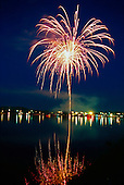 4th of July fireworks over Teal Lake at Negaunee Michigan
