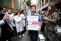 700 000 signatures defending the public health are presenting at the  Health Council in Madrid