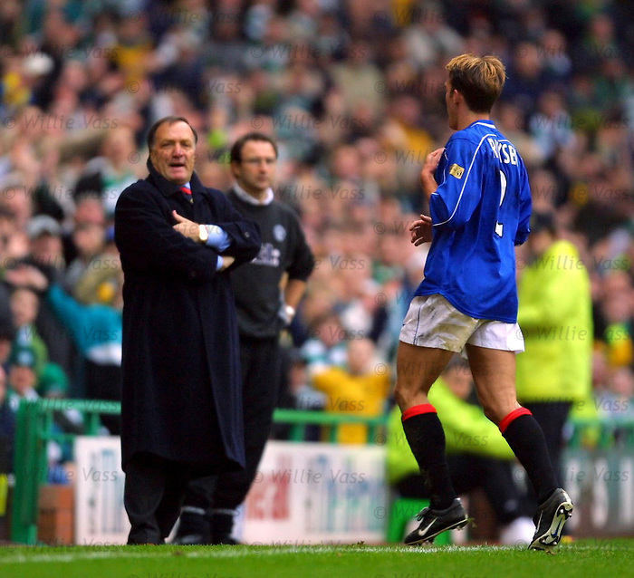 Fernando Ricksen sent off against Celtic as Dick Advocaat rages, 2001