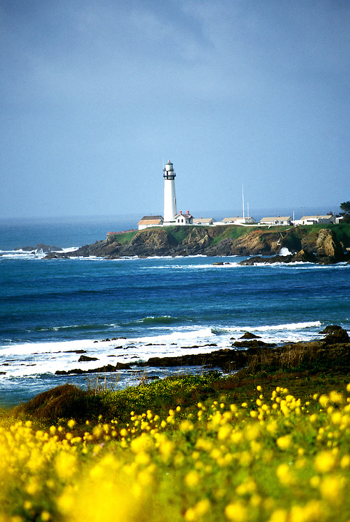 California: San Mateo Coast.  Pigeon Point Lighthouse..Photo copyright Lee Foster, 510/549-2202, lee@fostertravel.com, www.fostertravel.com..Photo #: camate103