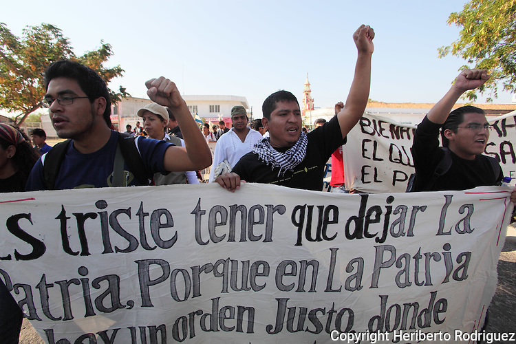 Central American immigrants stage a rally to protest against the kidnappings and the violation of their human rights while crossing Mexico to the United States, January 7, 2011. Seventy-two immigrants were kidnapped and killed by a gang in Tamaulipas several weeks ago. Photo by Heriberto Rodriguez
