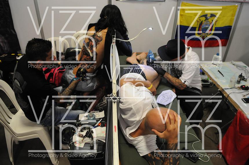 """MEDELLÍN - COLOMBIA, 07-06-2014. Durante los días 6, 7 y 8 de junio de 2014 Medellín Colombia es la sede de la quinta versión de """"Expotatuaje Medellín 2014"""". / During the 6, 7 and 8 of June Medellin, Colombia is histing of the 5th version of """"Expotatuaje Medellin 2014"""". Photo: VizzorImage/Luis Rios/STR"""