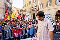 Roma 19 Maggio 2015<br /> Manifestazione dei lavoratori della scuola davanti a Montecitorio indetto da tutti i sindacati contro la riforma della scuola del governo Renzi soprannominata 'La Buona Scuola&quot;, gli insegnanti accusano il governo di agevolare la privatizzazione dell'istruzione. Piero Bernocchi dei Cobas Scuola.<br /> Rome May 19, 2015<br /> Demonstration of school workers  in front of Deputies organized by all trade unions  against Renzi's school reform dubbed 'The Good School', teachers accuse of facilitating the privatisation of education. Piero Bernocchi COBAS School