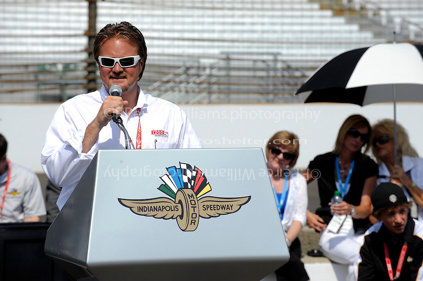 Public drivers meeting, 5-26-2012: Race director Beaux Barfield addresses the drivers.