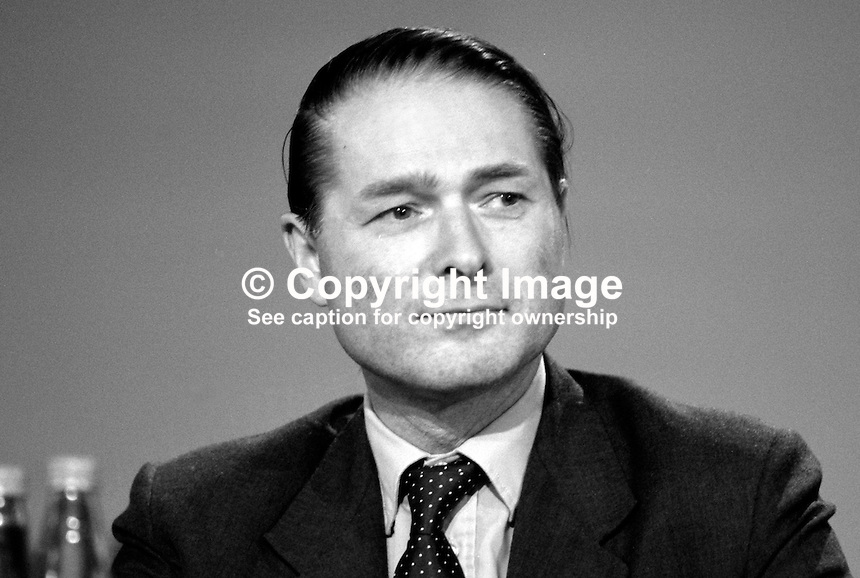 Ian Stewart, MP, Conservative Party, UK, Armed Forces Minister,  19871037IS..Copyright Image from Victor Patterson, 54 Dorchester Park, Belfast, UK, BT9 6RJ..Tel: +44 28 9066 1296.Mob: +44 7802 353836.Voicemail +44 20 8816 7153.Skype: victorpattersonbelfast.Email: victorpatterson@me.com.Email: victorpatterson@ireland.com (back-up)..IMPORTANT: If you wish to use this image or any other of my images please go to www.victorpatterson.com and click on the Terms & Conditions. Then contact me by email or phone with the reference number(s) of the image(s) concerned.
