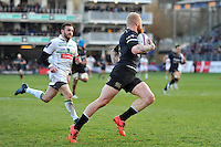 Tom Homer of Bath Rugby runs in a try. European Rugby Challenge Cup match, between Bath Rugby and Pau (Section Paloise) on January 21, 2017 at the Recreation Ground in Bath, England. Photo by: Patrick Khachfe / Onside Images
