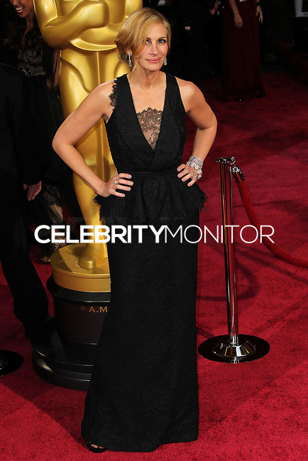 HOLLYWOOD, CA, USA - MARCH 02: Julia Roberts at the 86th Annual Academy Awards held at Dolby Theatre on March 2, 2014 in Hollywood, Los Angeles, California, United States. (Photo by Xavier Collin/Celebrity Monitor)