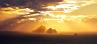 Golden Sunset at Skelligs, County Kerry, Ireland / skm0001