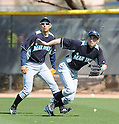 (L-R) Munenori Kawasaki, Ichiro Suzuki (Mariners),.FEBRUARY 18, 2012 - MLB :.Seattle Mariners spring training camp at Peoria Sports Complex in Peoria, Arizona, United States. (Photo by AFLO)