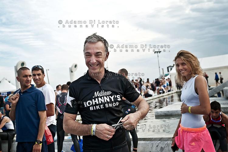 PESCARA (PE) 10/06/2012 - IRON MAN ITALY 70.3 ITALY. NELLA FOTO IL DIRETTORE DI RADIO DEEJAY LINUS. FOTO DI LORETO ADAMO