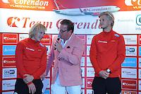 SCHAATSEN: HEERENVEEN: 01-10-2014, IJsstadion Thialf, Perspresentatie Team Corendon, Sjoerd de Vries, Presentator Jan van der Meulen, Maurice Vriend, ©foto Martin de Jong