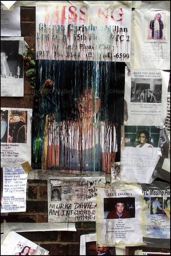 PIC BY HEATHCLIFF O'MALLEY.WTC MISSING PERSONS POST-ITS ON LEXINGTON AVENUE,NEW YORK....FOR FEATURE.