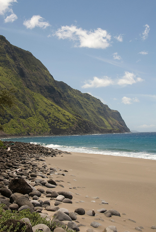 Hawaii: Molokai, scenic view of cliffs and ocean from Kalaupapa..Photo himolo124-71917..Photo copyright Lee Foster, www.fostertravel.com, lee@fostertravel.com, 510-549-2202