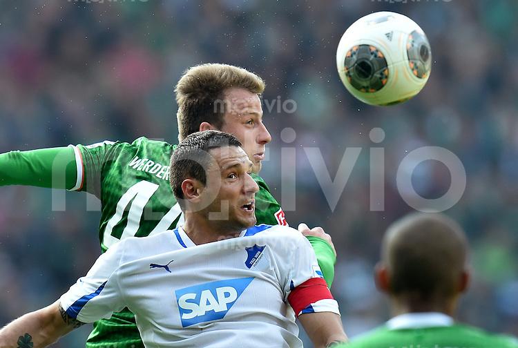 FUSSBALL   1. BUNDESLIGA   SAISON 2013/2014   31. SPIELTAG SV Werder Bremen - 1899 Hoffenheim                   19.04.2014 Sejad Salihovic (vorn, 1899 Hoffenheim) gegen Philipp Bargfrede (SV Werder Bremen)