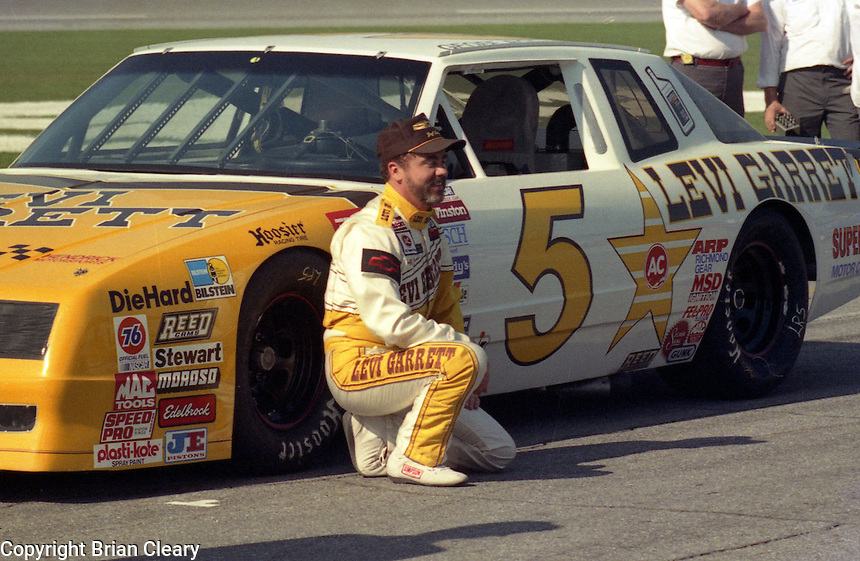 Geoff Bodine Daytona 500 at Daytona International Speedway on February 19, 1989.  (Photo by Brian Cleary/www.bcpix.xom)