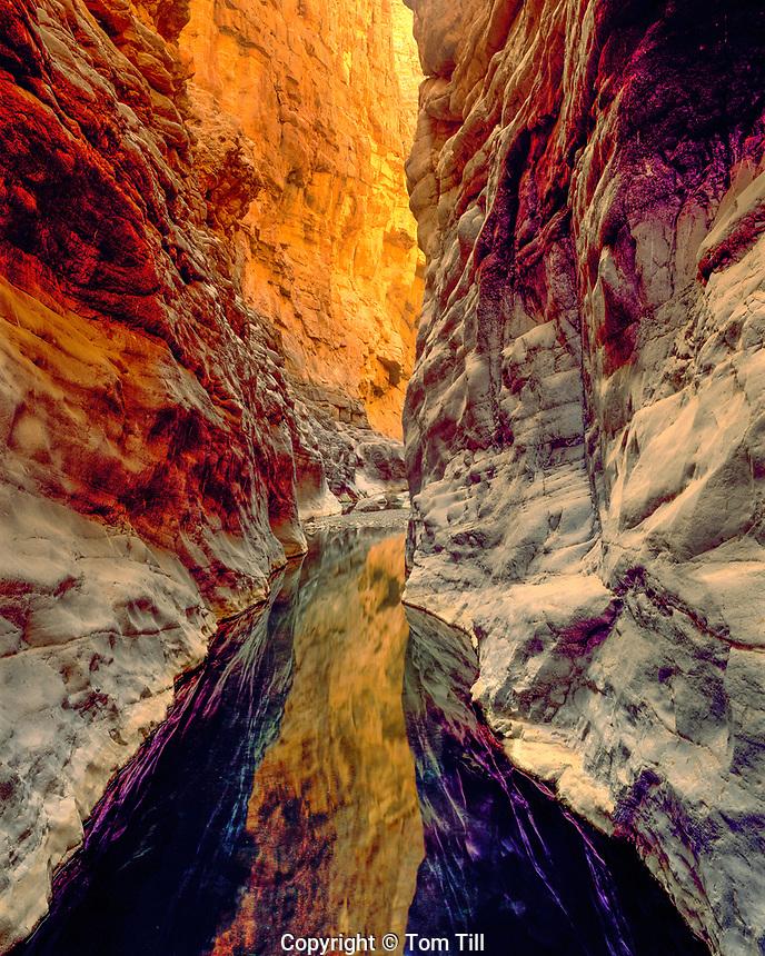 Slot Canyon at Wadi Quashah, Sultanate of Oman  Western Hagar Mountains    Near Tanuf Spring    Arabian Pennisula