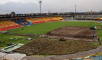 Intervención gramilla estadio  El Campín por el IDRD  , 24-08-2016