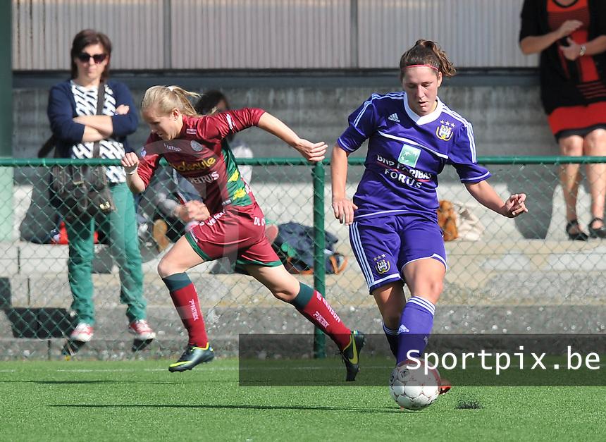 Dames Zulte Waregem - RSC Anderlecht : Laurence Marchal voor Elle Decorte.foto DAVID CATRY / Vrouwenteam.be