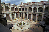 Courtyard of the Ex-Convento de Santo Domingo which now houses the Museum of Oaxacan cultures or Museo de las Culturas de Oaxaca, Oaxaca city, Mexico