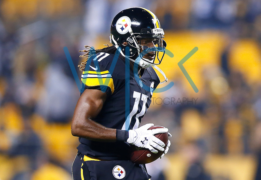 Markus Wheaton #11 of the Pittsburgh Steelers in action against the Indianapolis Colts during the game at Heinz Field on December 6, 2015 in Pittsburgh, Pennsylvania. (Photo by Jared Wickerham/DKPittsburghSports)
