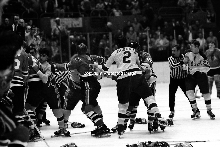 California Golden Seals vs Chicago Black Hawks fight.<br />