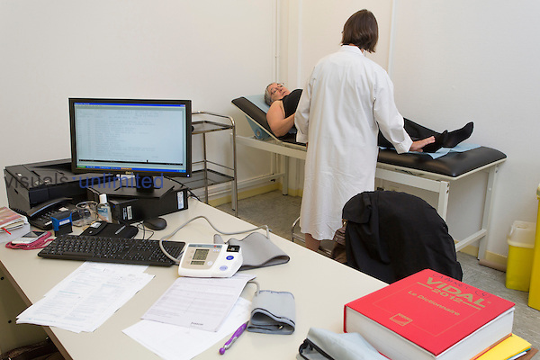 Patient physical examination, Lille's Institut Pasteur, France