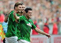 FUSSBALL   1. BUNDESLIGA   SAISON 2012/2013   4. SPIELTAG SV Werder Bremen - VfB Stuttgart                         23.09.2012        Sebastian Proedl, Marko Arnautovic und Zlatko Junuzovic (v.l., alle SV Werder Bremen)  jubeln nach dem 2:0