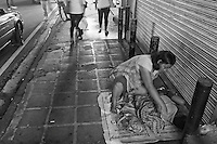 Street-Photography - poverty on  the streets in Manila, Philippines