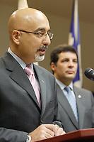 Monteal (Qc) CANADA, September 17, 2007 -<br /> <br /> Benoit Labonte (R), Ville-Marie Burrough Mayor and Karim Boulos (L) annoubce in a press conference that they leave Union Montreal, the party of Montreal's Mayor Gerard Tremblay over Tremblay lack of leadership.<br /> <br /> Benoit Labonte (D) et Karim Boulos (G) annoncent en conference de presse qu'ils quittent Union Montreal .<br /> Nous avons d&eacute;cid&eacute; de quitter le<br /> parti politique du Maire G&eacute;rald Tremblay, ont annonc&eacute; aujourd'hui messieurs<br /> Benoit Labont&eacute;, maire de l'arrondissement de Ville-Marie et ex-membre du<br /> comit&eacute; ex&eacute;cutif responsable de la Culture, du Patrimoine et du Design et Karim<br /> Boulos, conseiller d'arrondissement du district de Peter-McGill et maire<br /> suppl&eacute;ant de Ville-Marie. Les deux &eacute;lus si&eacute;geront dor&eacute;navant ? titre<br /> d'ind&eacute;pendants.<br /> <br /> photo : (c) Pierre Roussel -   Images Distribution