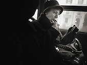 Italy, Venice, Venezia, Street Photography, dark, crisis, recession, drama, dramatic, tired, tiredness, weariness, alone, loneliness, desolate, desolation, difficulty, difficult, difficulties, isolation, isolate, isolating, isolates, lonely