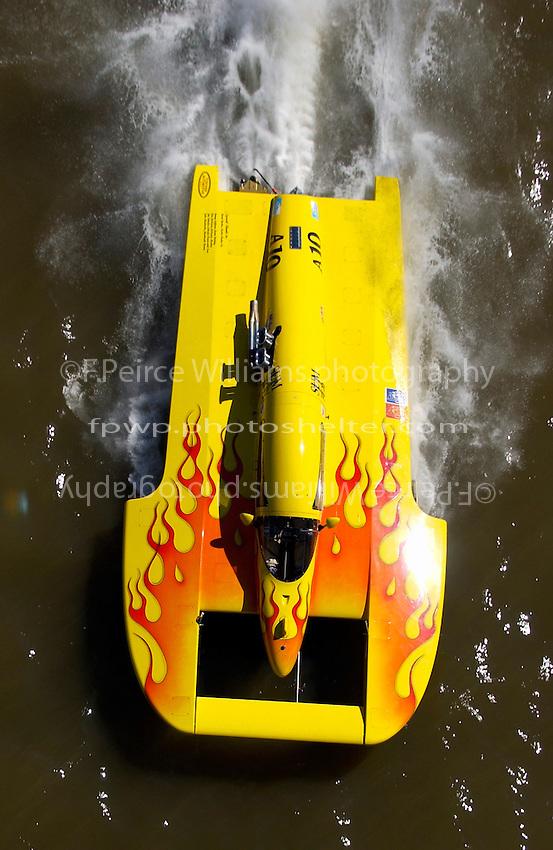 "Tom Newman, A-10 ""Sum Toy"" (2.5 Litre Mod class hydroplane)"