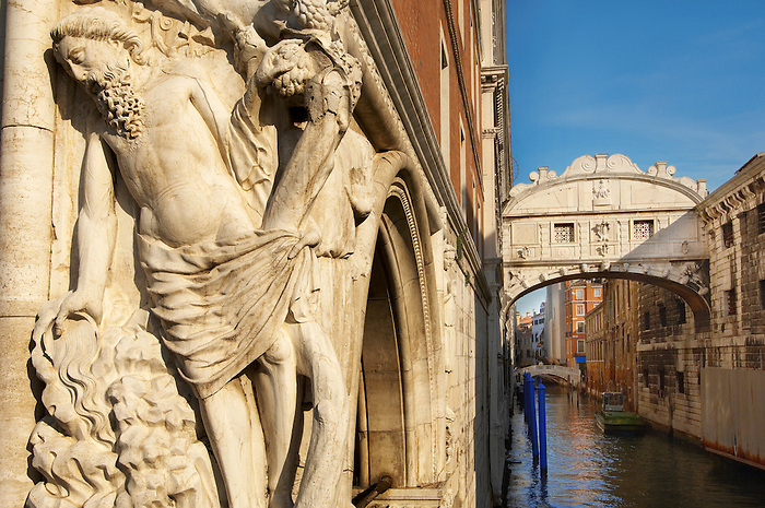 The Bridge Of Sighs - Doge's Palace ; Venice Italy