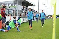 VOETBAL: HEERENVEEN: 20-09-2015, Sportpark Skoatterw&acirc;ld, Itali&euml;-Nederland, Vrouwenvoetbal EK Kwalificatie onder 19 jaar, Lysanne van der Wal (warmlopen vooraan) op de bank als wissel, uitslag 1-1,<br /> &copy;foto Martin de Jong