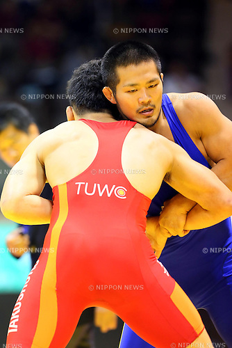 (L-R) Daisuke Komori, Takehiro Kanakubo (JPN),<br /> JUNE 15, 2013 - Wrestling :<br /> All Japan Invitational Wrestling Championship, Men's Greco-Roman Style -74kg Final at Yoyogi 2nd Gymnasium, Tokyo, Japan. (Photo by AFLO SPORT)