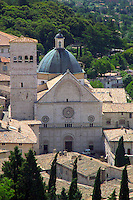 Assisi, Umbria, Italy, June 2006. The Cathedral of San Rufino. Assisi is a good place to stay, when travelling through the beautiful surrounding countryside with its medieval walled villages and cities, olive groves and vineyards. Photo By Frits Meyst/Adventure4ever.com