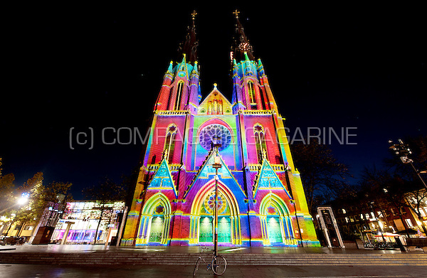 The Enchanted Cathedral & The Seasons installation from Ad Lib Creations at the Glow Lightfestival in Eindhoven (Holland, 10/11/2014)