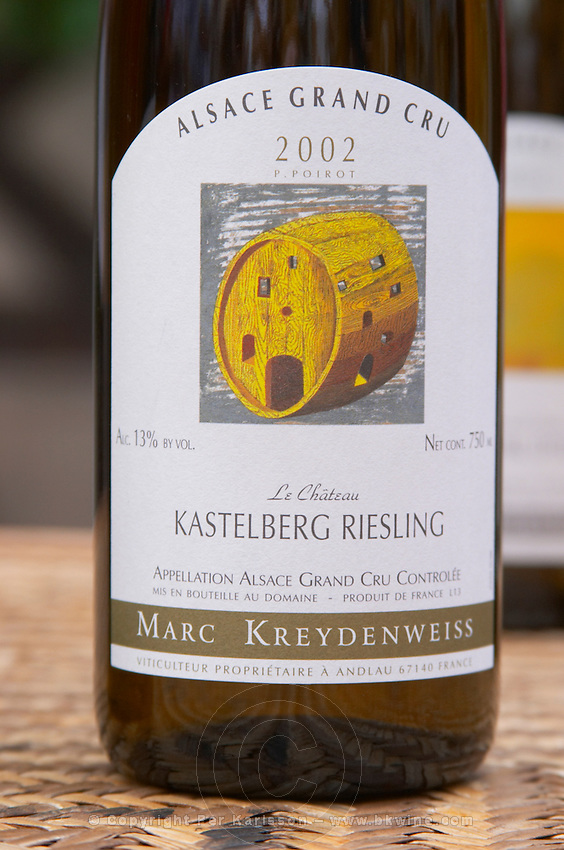 Le Chateau kastelberg Riesling Grand Cru 2002. Illustration P Poirot. Domaine Marc Kreydenweiss, Andlau, Alsace, France