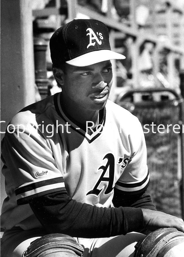 Oakland Athletics catcher Henry Mercedes..(1989 photo/Ron Riesterer)