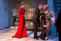 Le roi Philippe de Belgique et la reine Mathilde de Belgique en visite d'Etat au Danemark, lors de la soir&eacute;e &quot; The Black Diamond &quot;, en pr&eacute;sence du Prince Joachim de Danemark  la princesse Marie de Danemark, la princesse Mary de Danemark, le Prince Frederik de Danemark et la reine Margrethe II de Danemark.<br /> Danemark, Copenhague, 30 mars 2017.<br /> King Philippe of Belgium &amp; Queen Mathilde of Belgium during a State Visit to Copenhagen in Denmark are attending The Black Diamond event, with Crown Prince Joachim of Denmark,  Princess Marie of Denmark, princess Mary of Denmark, Prince Frederik of Denmark and Queen Margrethe II of Denmark.<br /> Denmark, Copenhagen, March 30, 2017.<br /> Pic : King Philippe of Belgium, Queen Mathilde of Belgium &amp; Queen Margrethe II of Denmark