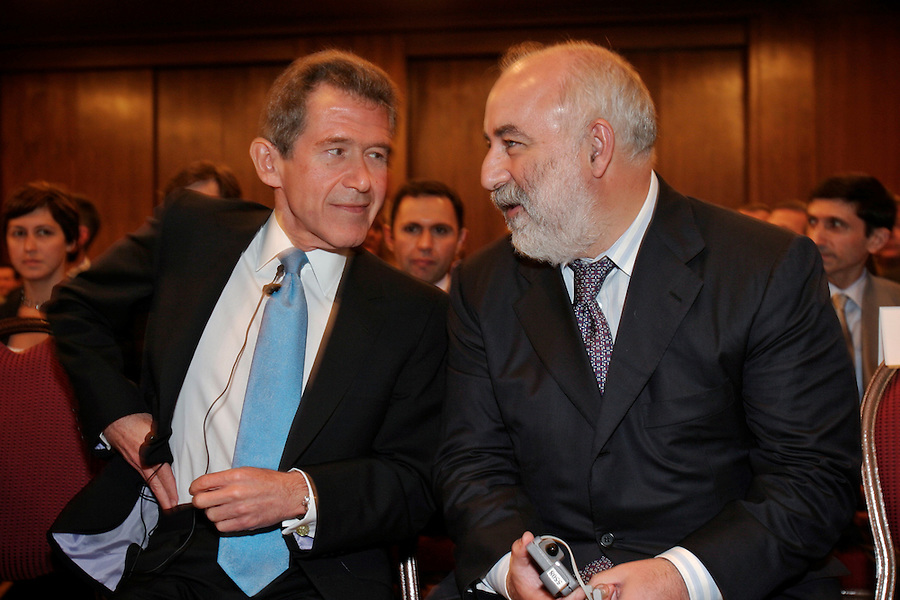 Moscow, Russia, 02/07/2004..BP CEO Lord John Browne with Viktor Vekselberg, CEO of Renova and Chief Operating Officer of TNK-BP at a TNK-BP executive staff meeting.