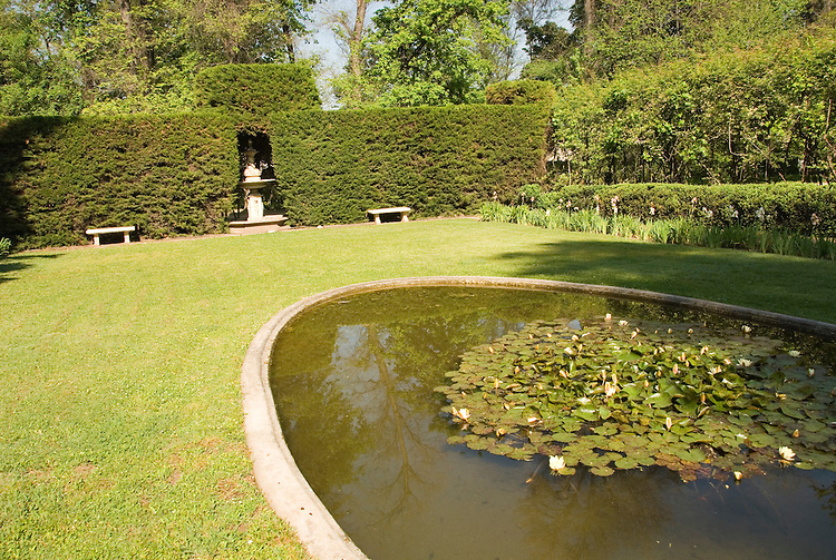 Chile Wine Country: Gardens at Concha y Toro Winery, Vina Concha y Toro, near Santiago..Photo #: ch448-32886.Photo copyright Lee Foster, 510-549-2202, www.fostertravel.com, lee@fostertravel.com.