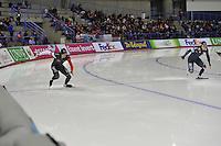 SCHAATSEN: CALGARY: Olympic Oval, 08-11-2013, Essent ISU World Cup, 500m, Jamie Gregg (CAN), Tae-Bum Mo (KOR), ©foto Martin de Jong