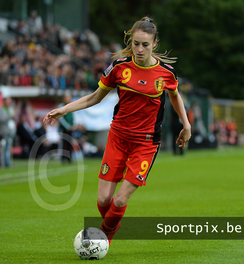 20140507 - LEUVEN , BELGIUM : Belgian Tessa Wullaert pictured during the female soccer match between Belgium and The Netherlands, on the eighth matchday in group 5 of the UEFA qualifying round to the FIFA Women World Cup in Canada 2015 at Stadion Den Dreef , Leuven . Wednesday 7th May 2014 .  PHOTO DAVID CATRY