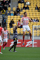 Erik Paartalu in action during the A League - Wellington Phoenix v Melbourne City at Westpac Stadium, Wellington, New Zealand on Sunday 30 November 2014.