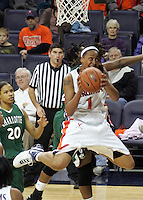 Virginia women's basketball player Lyndra Littles.