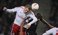 USSBALL   1. BUNDESLIGA    SAISON 2012/2013    10. Spieltag   Hamburger SV - FC Bayern Muenchen                    03.11.2012 Artjoms Rudnevs (li, Hamburger SV) gegen Jerome Boateng (re, FC Bayern Muenchen)