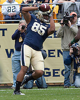 Pittsburgh tight end Mike Cruz  makes a 2-yard touchdown catch. The Pittsburgh Panthers defeated the South Florida Bulls 41-14 at Heinz Field, Pittsburgh, PA on October 24, 2009.